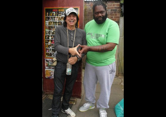 Deenie TEAM GORILLA MUSIC