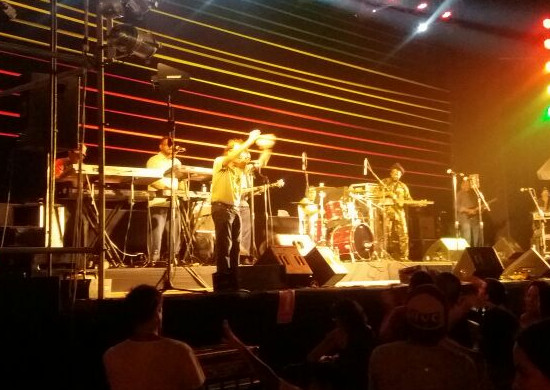 Pete con Israel Vibration
